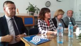 Министерката Царовска на средба со битолските пензионери-јануарската пензија ќе биде повисока за 700 денари