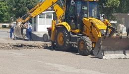 Се реконструира паркингот кај Спортската сала во Битола