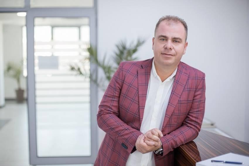 Кондовски најави тужба за клеветите и навредите изречени од Александар Николовски