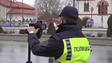 Интензивни контроли на полицијата: се вози брзо, без дозвола, а зад волан седнуваат пијани возачи
