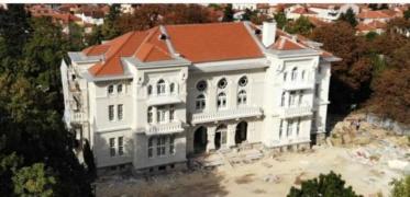 Офицерскиот дом ја доби оригиналната боја што ја имал кога бил изграден, соопштија од Завод и музеј Битола