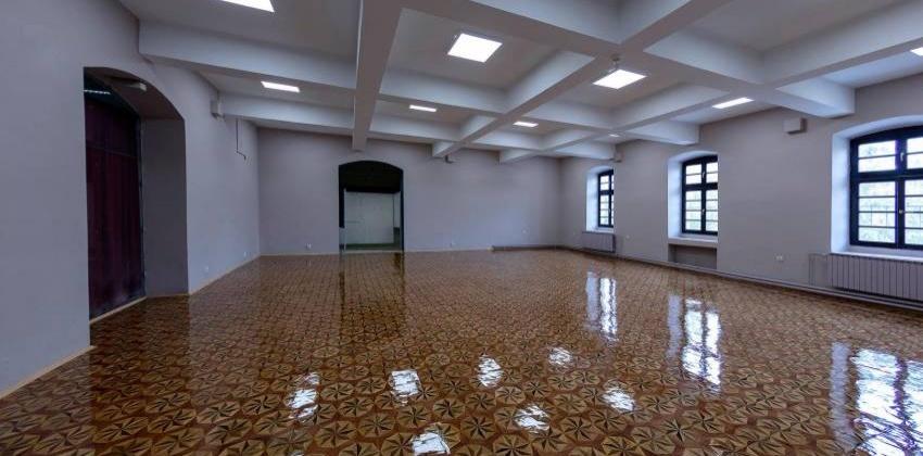 Паркетот од Офицерски блесна во новиот салон на Битолскиот музеј